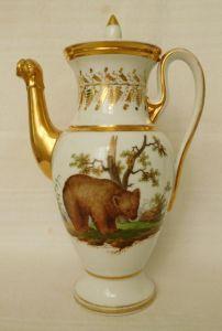 Фарфоровый чайник в стиле ампир, начало XIX в.