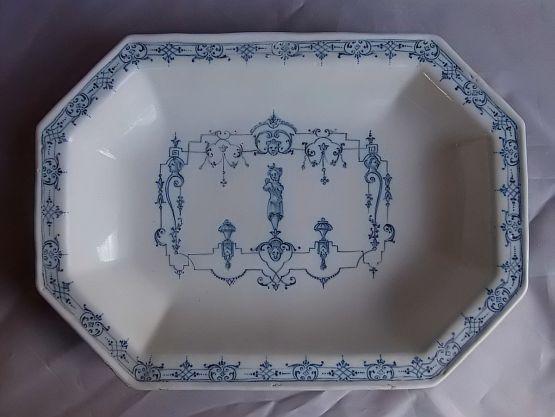 Восьмиугольная тарелка из фаянса мустье, XVIII в.