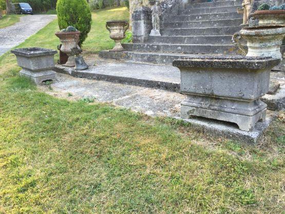 Два вазона для цветов из камня, Ампир, н. XIX в.