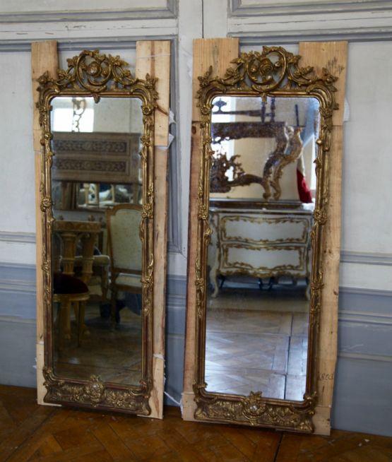 Старинное зеркало в пололоченой раме