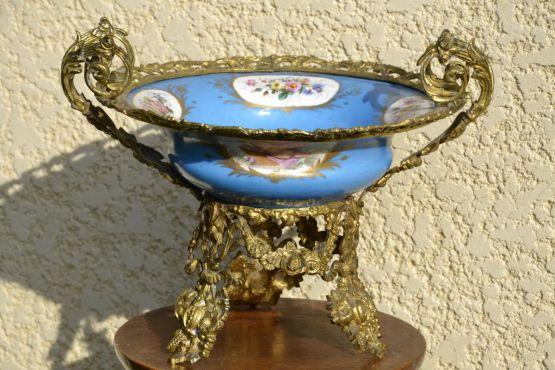 Чаша из бронзы и севрского фарфора, XIX в.