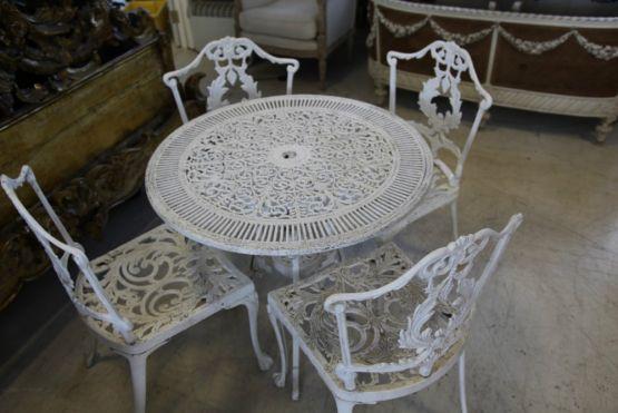 Набор садовой мебели из чугуна