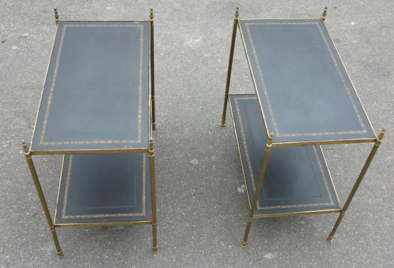 Два двухъярусных приставных столика из латуни