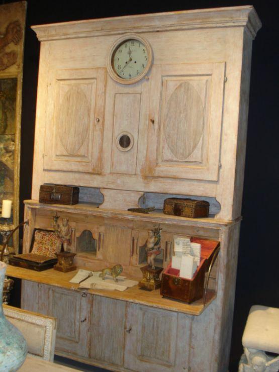 Бюро с часами, Швеция, около 1800 г.