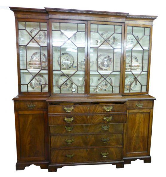 Небольшой книжный шкаф-бюро, в стиле Георга III