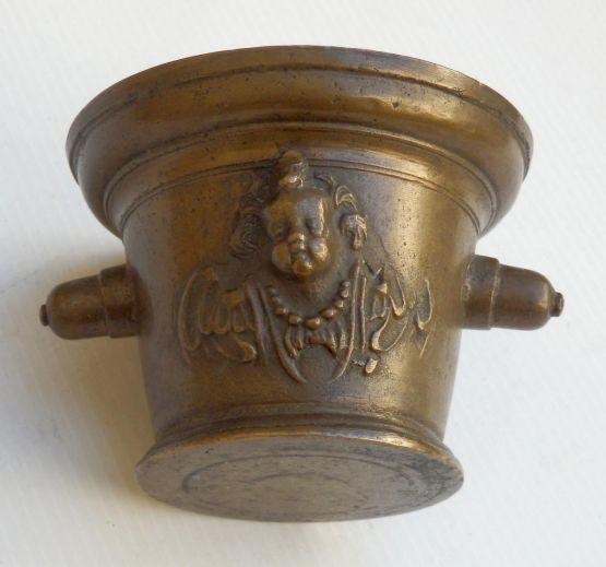 Аптекарская ступка. Франция, XVII в.