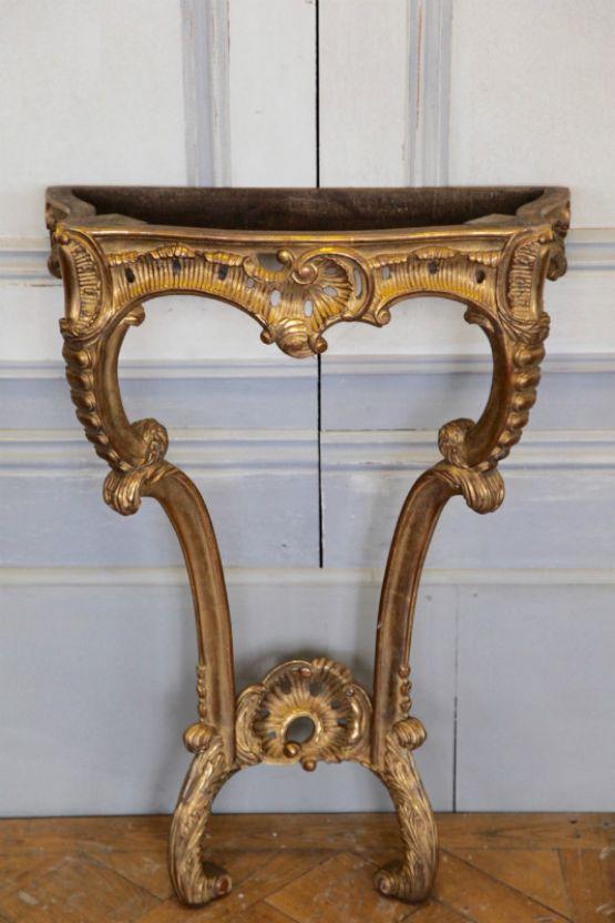 Консоль в стиле Людовика XV