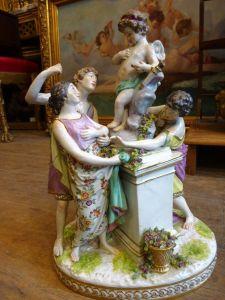Скульптурная группа из фарфора. Самсон, XIX в.
