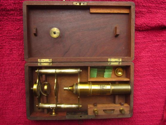 Микроскоп, середина XIX в.