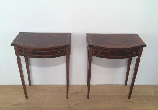 Два консольных столика, 1920 г.
