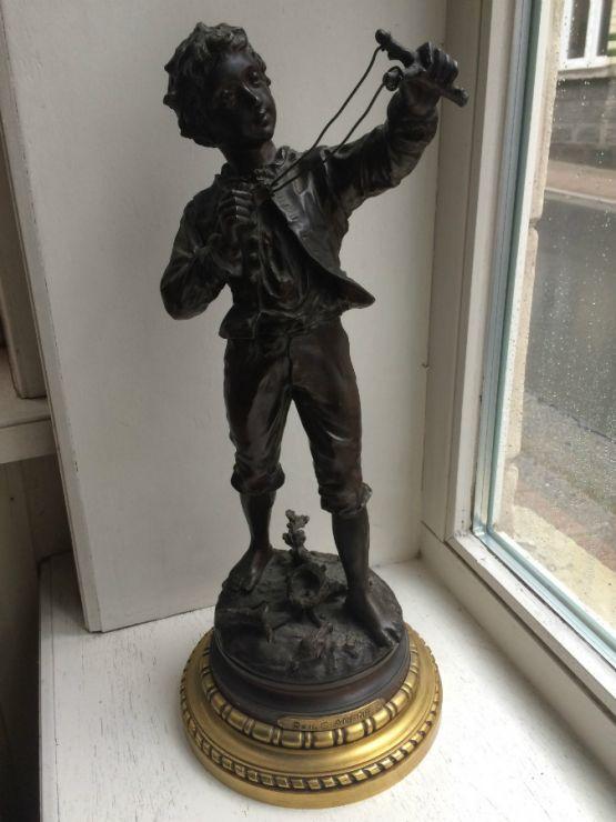 Бронзовая скульптура 'Мальчик с рогаткой'