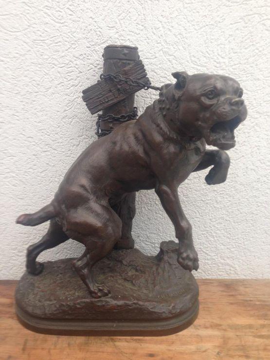 Скульптура собаки из бронзы