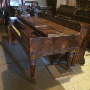 Квадратное пианино