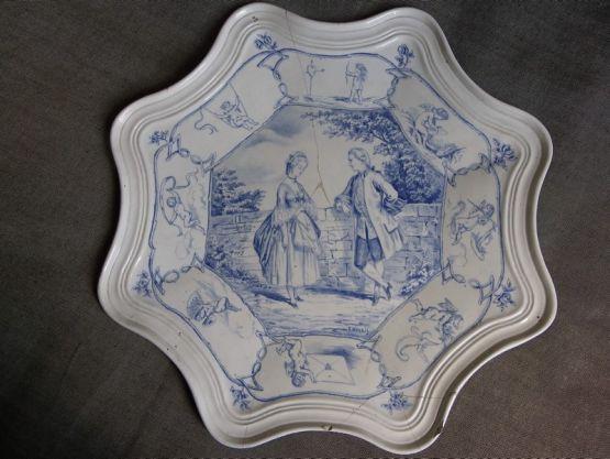 Блюдо из фаянса Шуази-ле-Руа, XIX в.