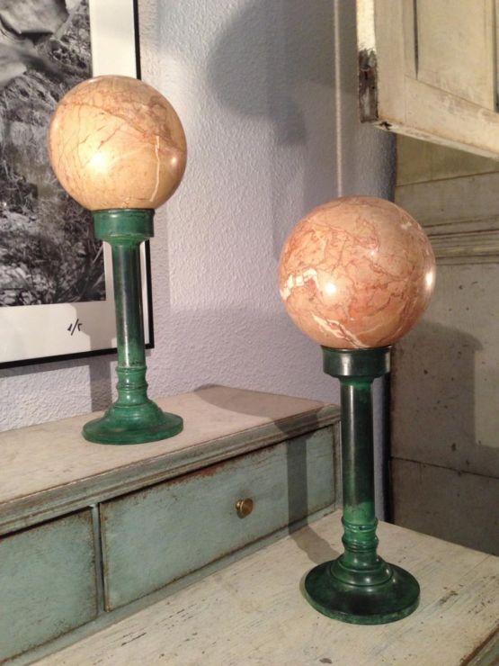Два декоративных мраморных шара, около 1940 г.