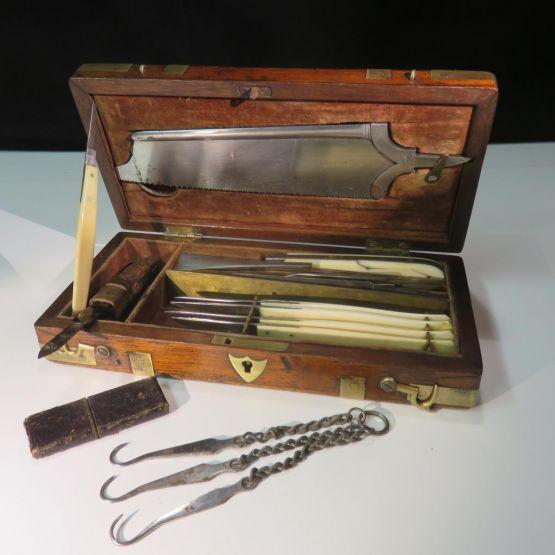 Набор хирургических инструментов, 1880 г.