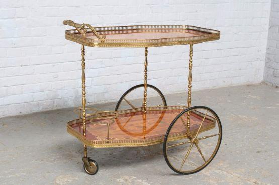 Столик для сервировки чая в стиле рококо