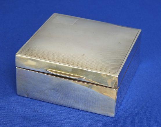 Серебряная коробка для сигарет, Англия