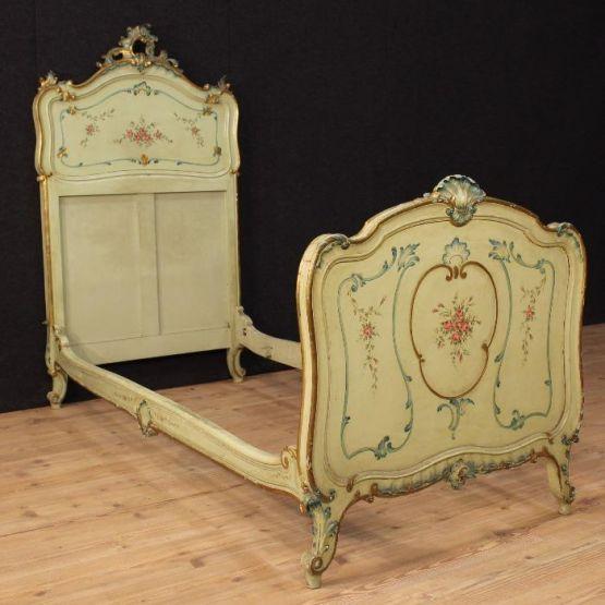 Венецианская кровать