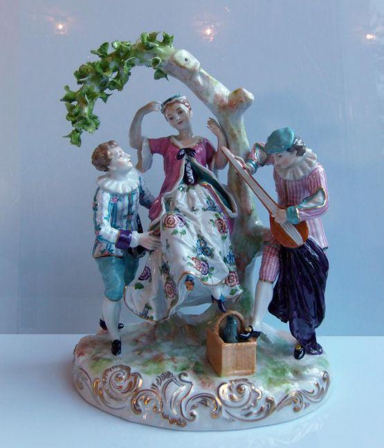 Скульптурная группа из саксонского фарфора, XIX в.