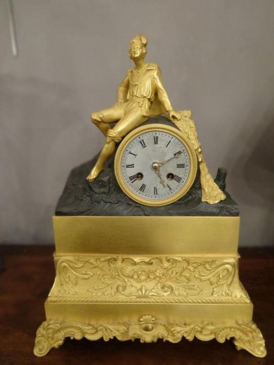 Часы из позолоченной бронзы. Baullier and son, XIX