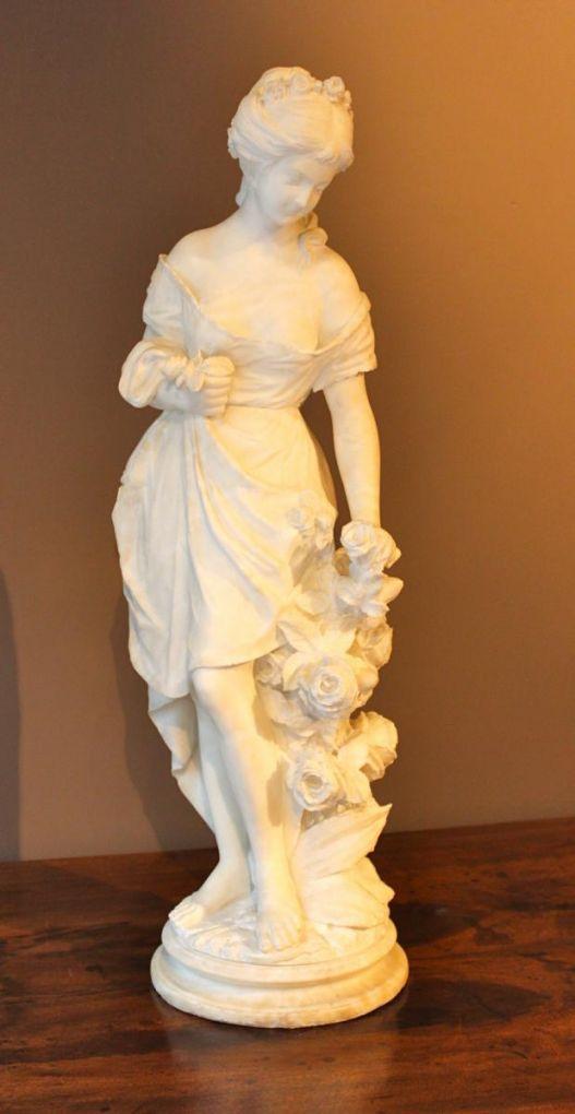 Скульптура молодой женщины из алебастра, XIX в.