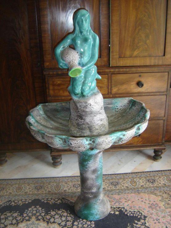 Фонтан из керамики и терракоты. Gilbert Valentin,