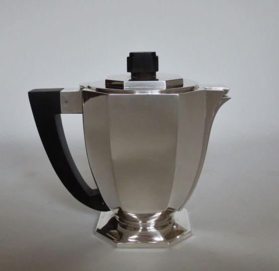 Серебряный чайник в стиле Ар-Деко, ХХ в.