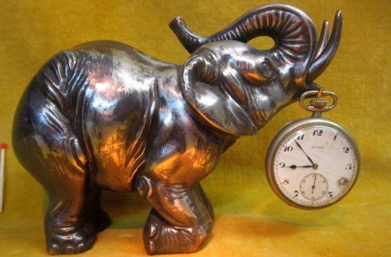 Статуэтка 'Цирковой слон' с часами, ХХ в.