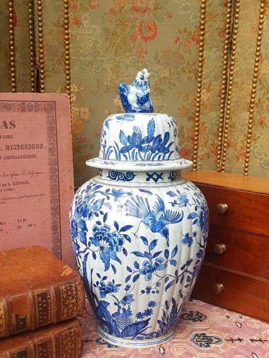 Большая фаянсовая ваза. Делфт, XIX в.