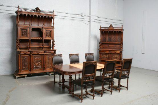 Гарнитур для столовой в стиле Ренессанса