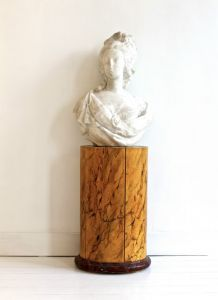 Мраморный бюст Марии-Антуанетты, XIX в.