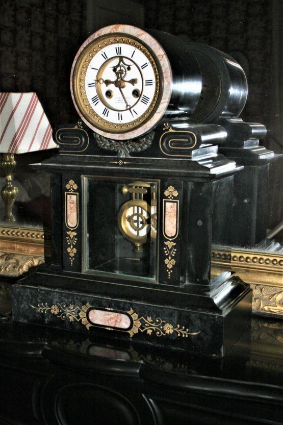 Часы из черного мрамора в стиле Наполеона III, XIX