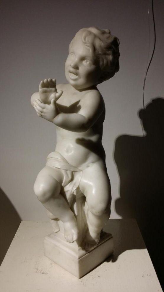 Мраморная статуя ребенка. Madrassi, XIX в.