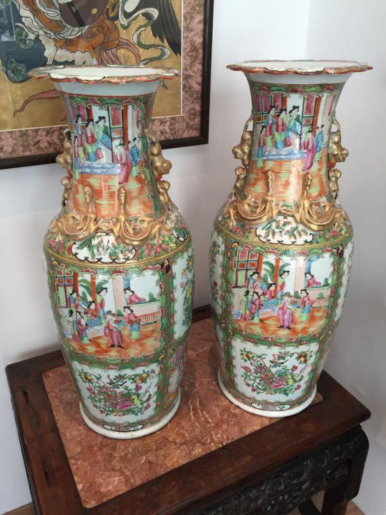 Пара фарфоровых ваз, XIX в.