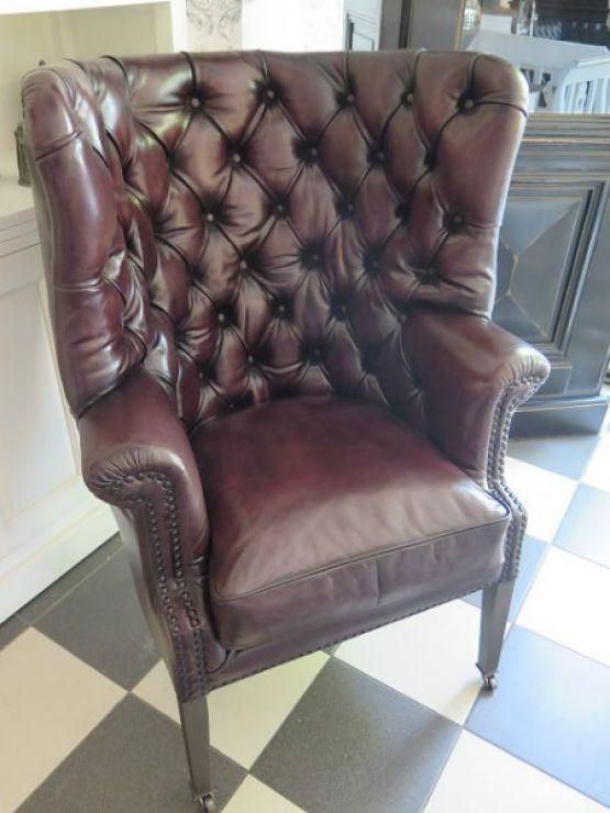 Кресло Честерфилд из коричневой кожи
