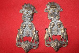 Два дверных молотка из бронзы, XIX в.