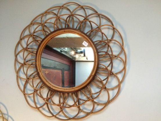 Винтажное зеркало в раме