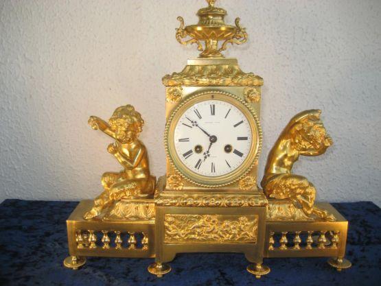 Часы из позолоченной бронзы с фавнами, конец  XVII