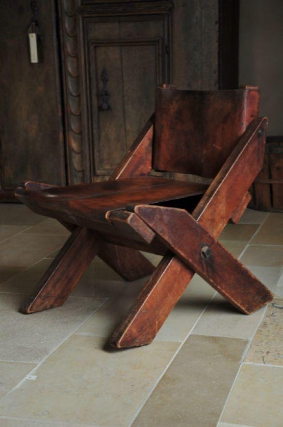 Старинный дизайнерский стул
