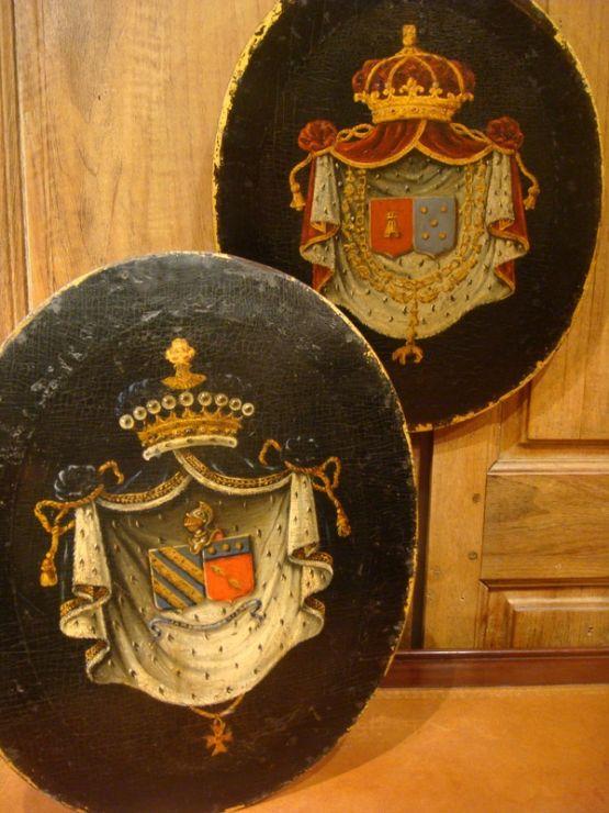 Два медальона с гербами, XIX в.