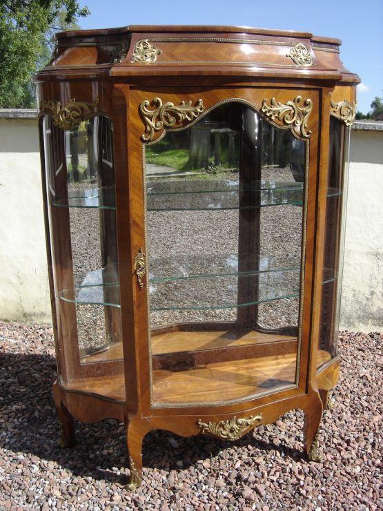 Витрина из шпона в стиле Людовика XV, XIX в.