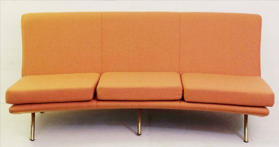 Трехместный диван 'Триеналле'