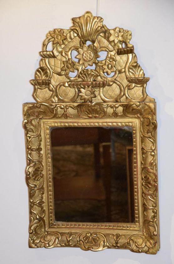 Зеркало с позолоченным фронтоном, XVIII в.