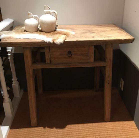 Старинный стол из сосны с ящиком