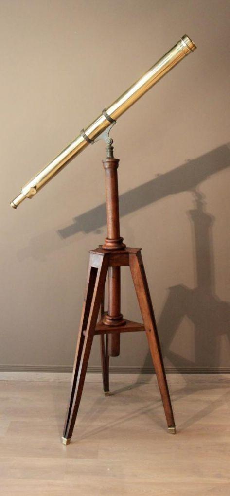Складной телескоп на штативе, XIX в.