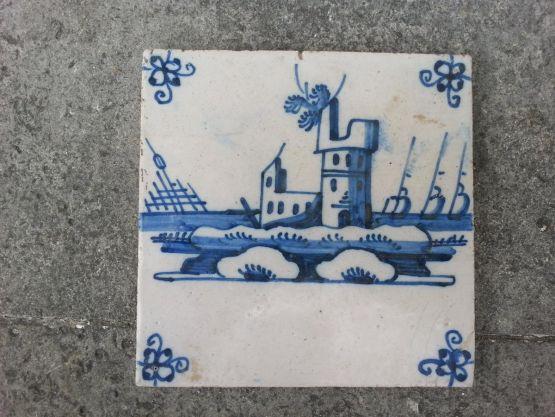 Керамический изразец 'Укрепленный замок', XVIII в.