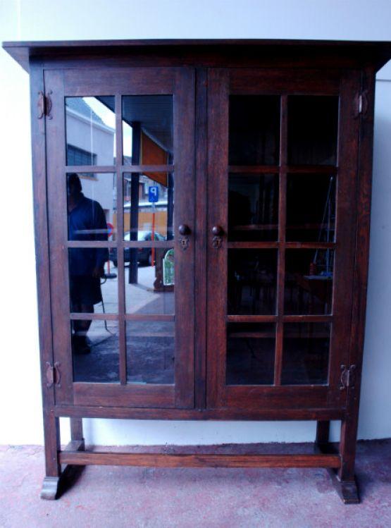 Книжный шкаф из дуба, 1900 г.
