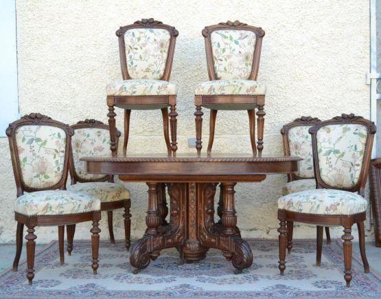 Стол и шесть стульев из древесины ореха