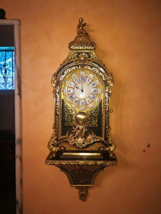 Часы-картель в стиле Буль с консолью, XVIII в.